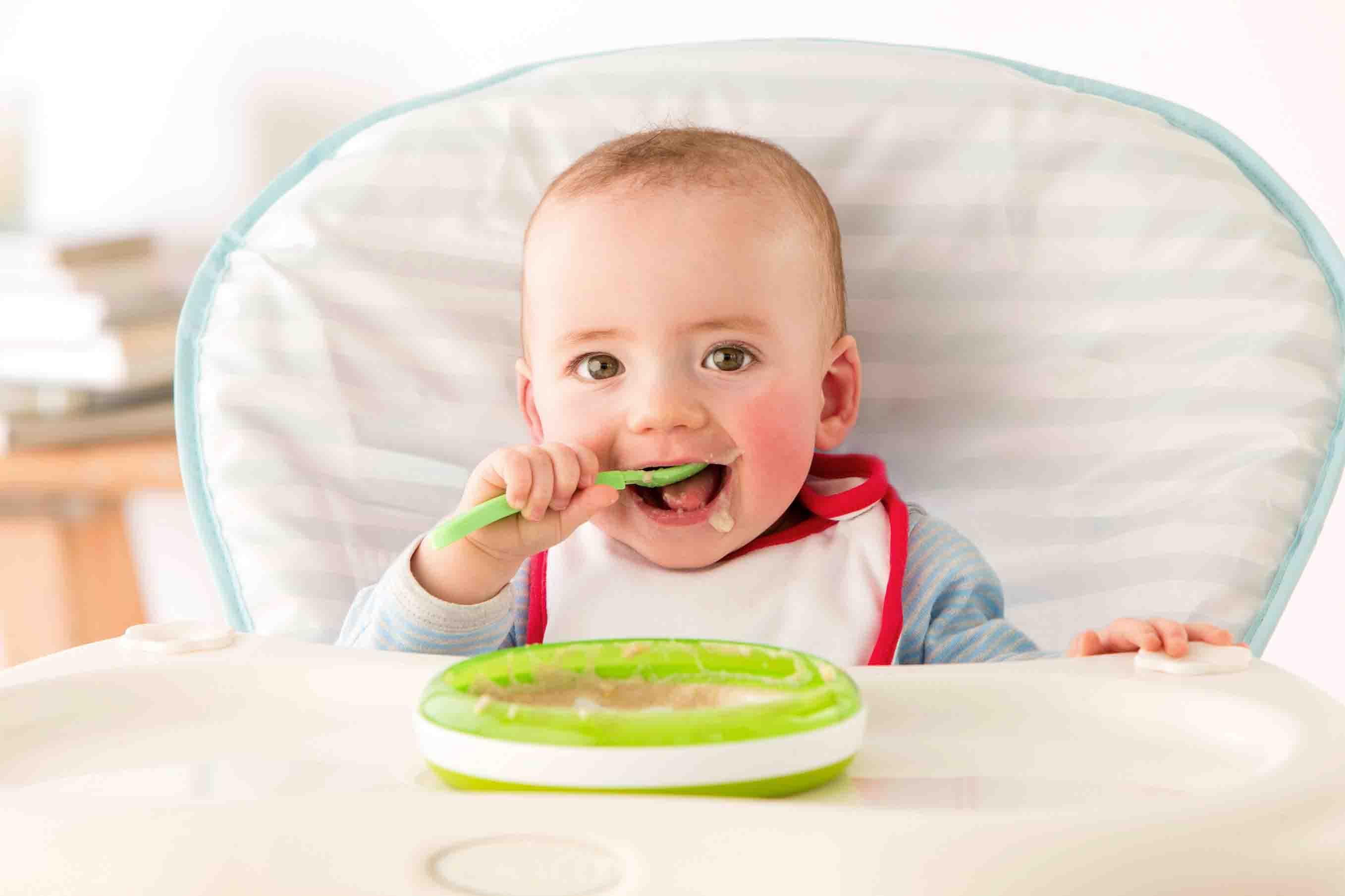 Perkembangan Normal Kemahiran Untuk Makan Pada Kanak-Kanak