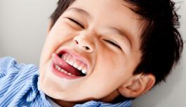 Bantu Anak Bercakap Dengan Makan